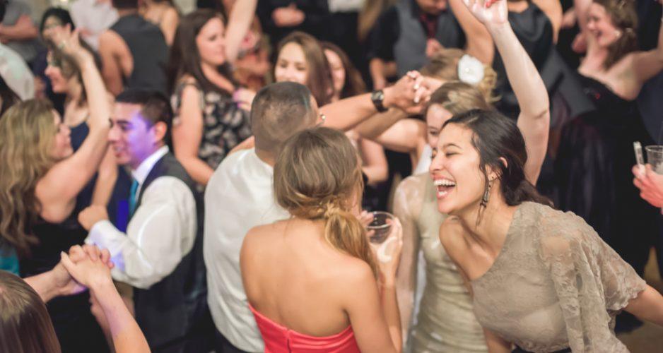 Secrets on Picking Best Wedding Djs